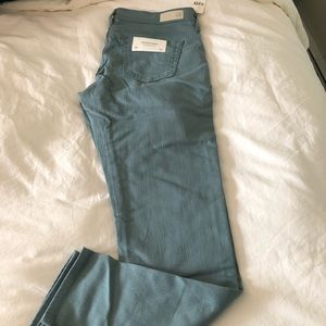 NWT AG size 29 straight-leg jeans sage green